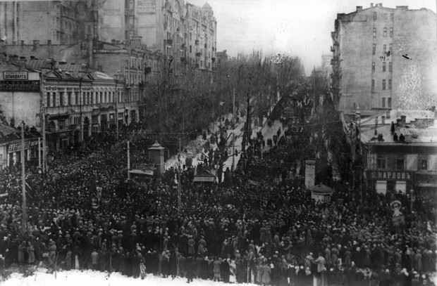 The day is January 22, 1918. Right here in Kyiv the declaration of Independence from Russia was read right here at the Maidan. Petlura and Hrushevs'kyj were present. and it was January 22, 1918. Look what is happening at the Maidan.It is December 30, 2013 now. #Euromaidan  A Ukrainian Demonstration at Maidan Khreshchatyk ... See More